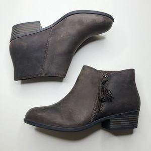 [CLARKS] Addiy Terri Leather Booties